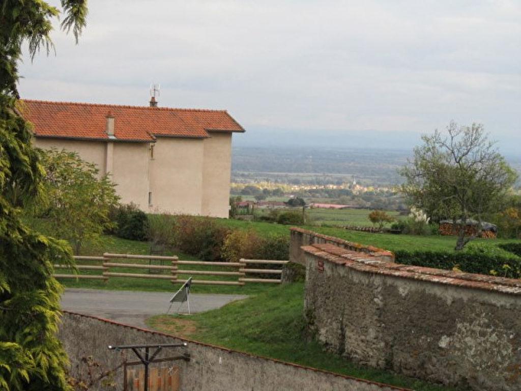 Saint Germain Laval  Prox. maison de charme et son terrain