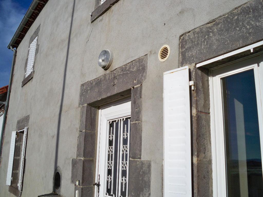 Les Ancizes Comps Maison rénovée et terrain