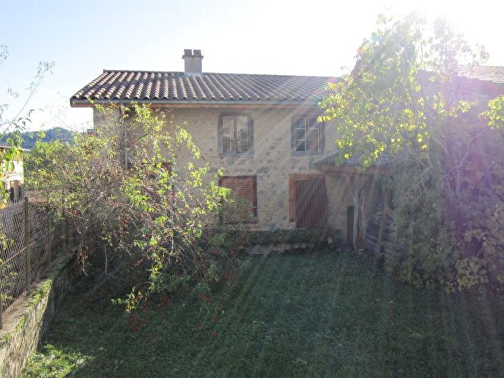 Noiretable Prox. Maison et terrain