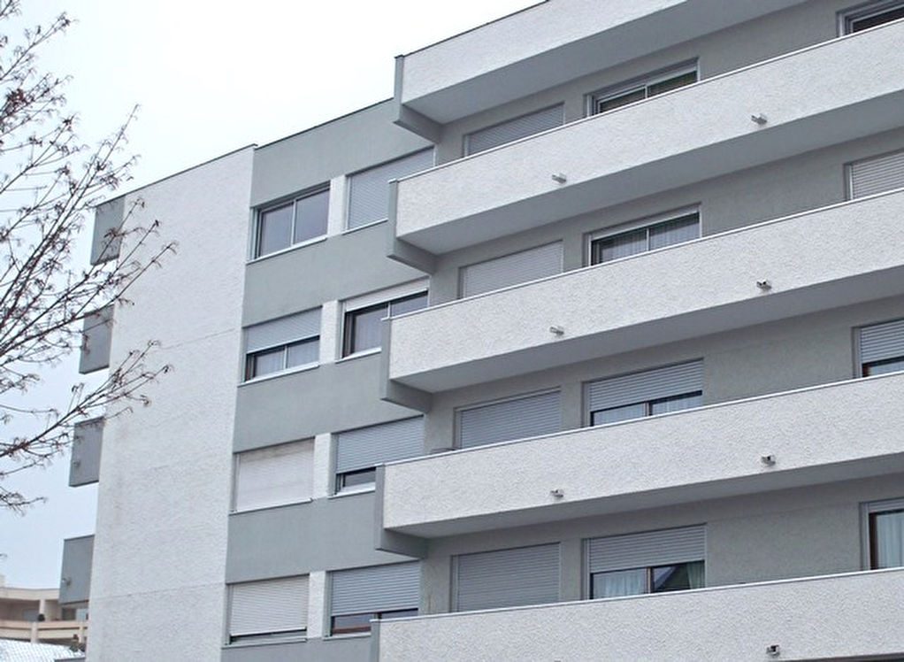 Riom appartement F3 ascenseur balcon et garage