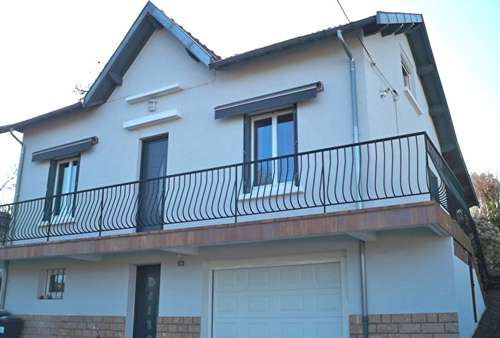 Ceyrat villa année 60 sur 1378 m2 de terrain