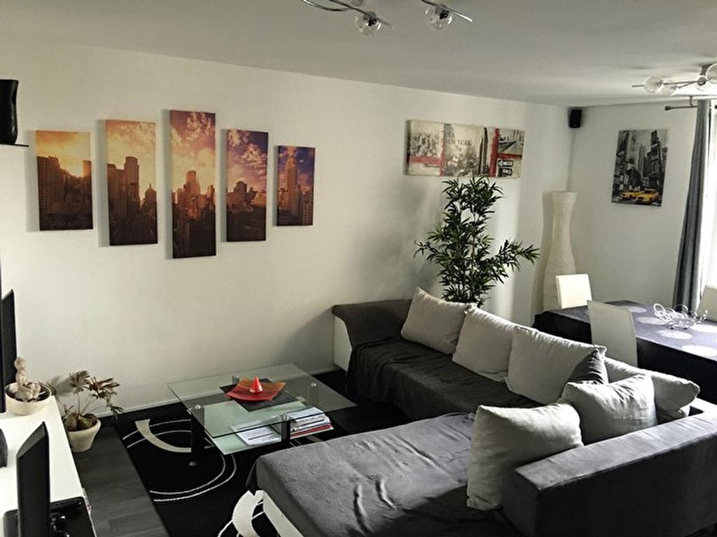 Appartement Riom 4 pièce(s) 49.73 m2