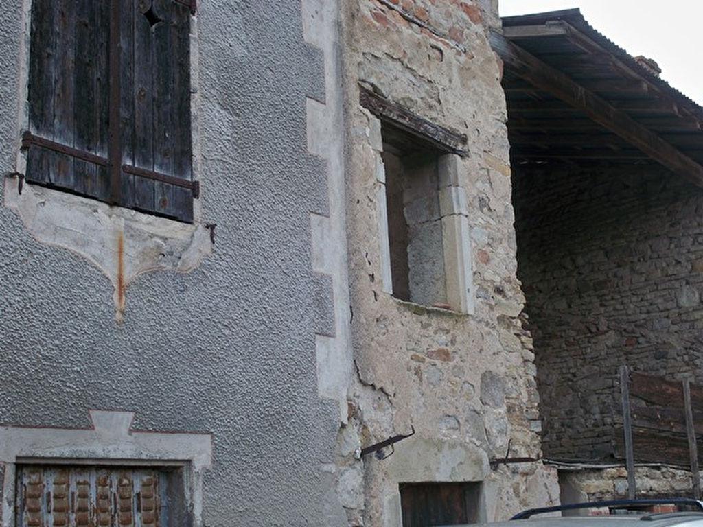 Riom 20 mn maison pierre à rénover