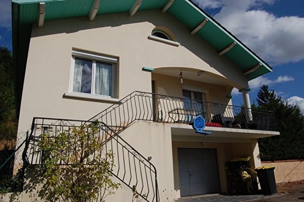 Boën maison rénovée 4 chambres et terrain