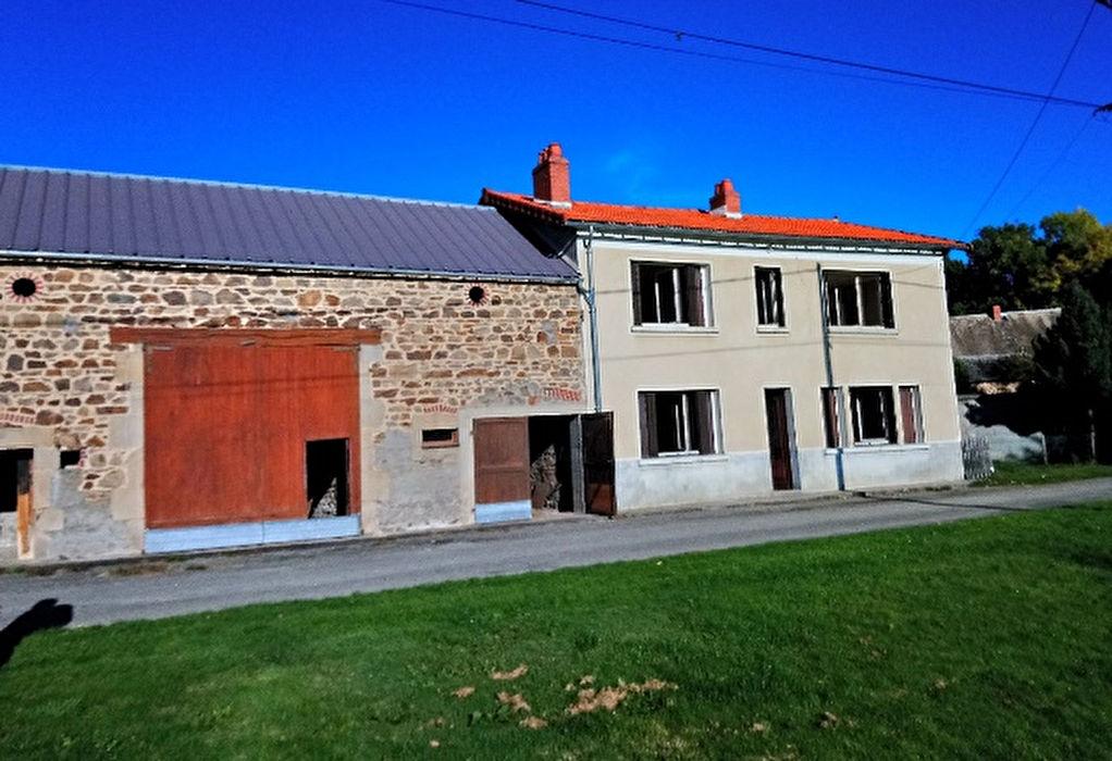 Neuf Eglise maison à rénover avec grange et jardin