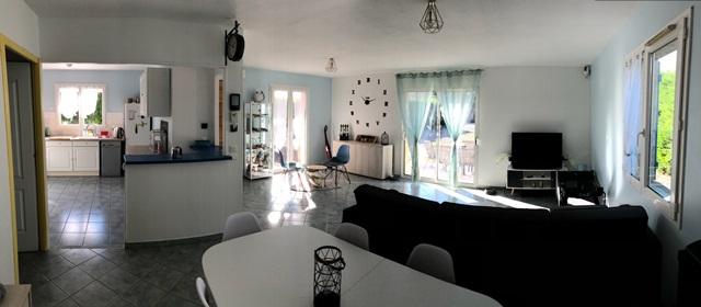 Saint Bonnet Pres Riom Plain pied 4 chambres et 900 m² de terrain
