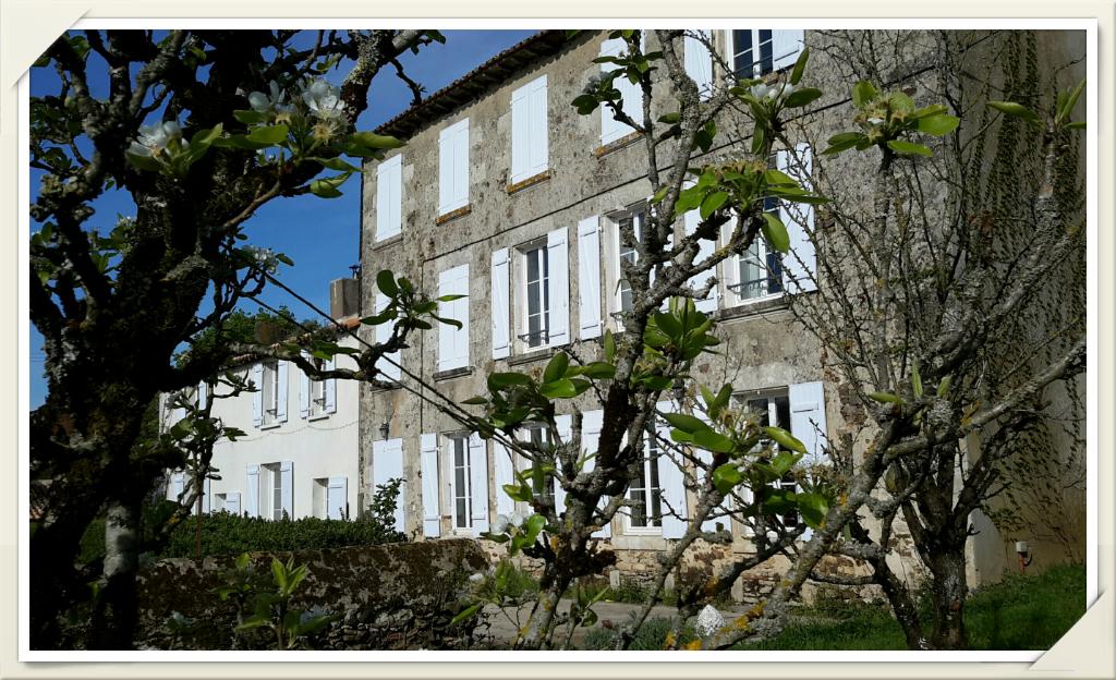 Domaine agricole La Boissiere En Gatine 15 pièce(s) 350 m2