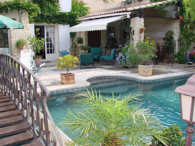 photo de A Vendre - Maison 300 m2 11 pièces- 6 chambres- Le Pontet