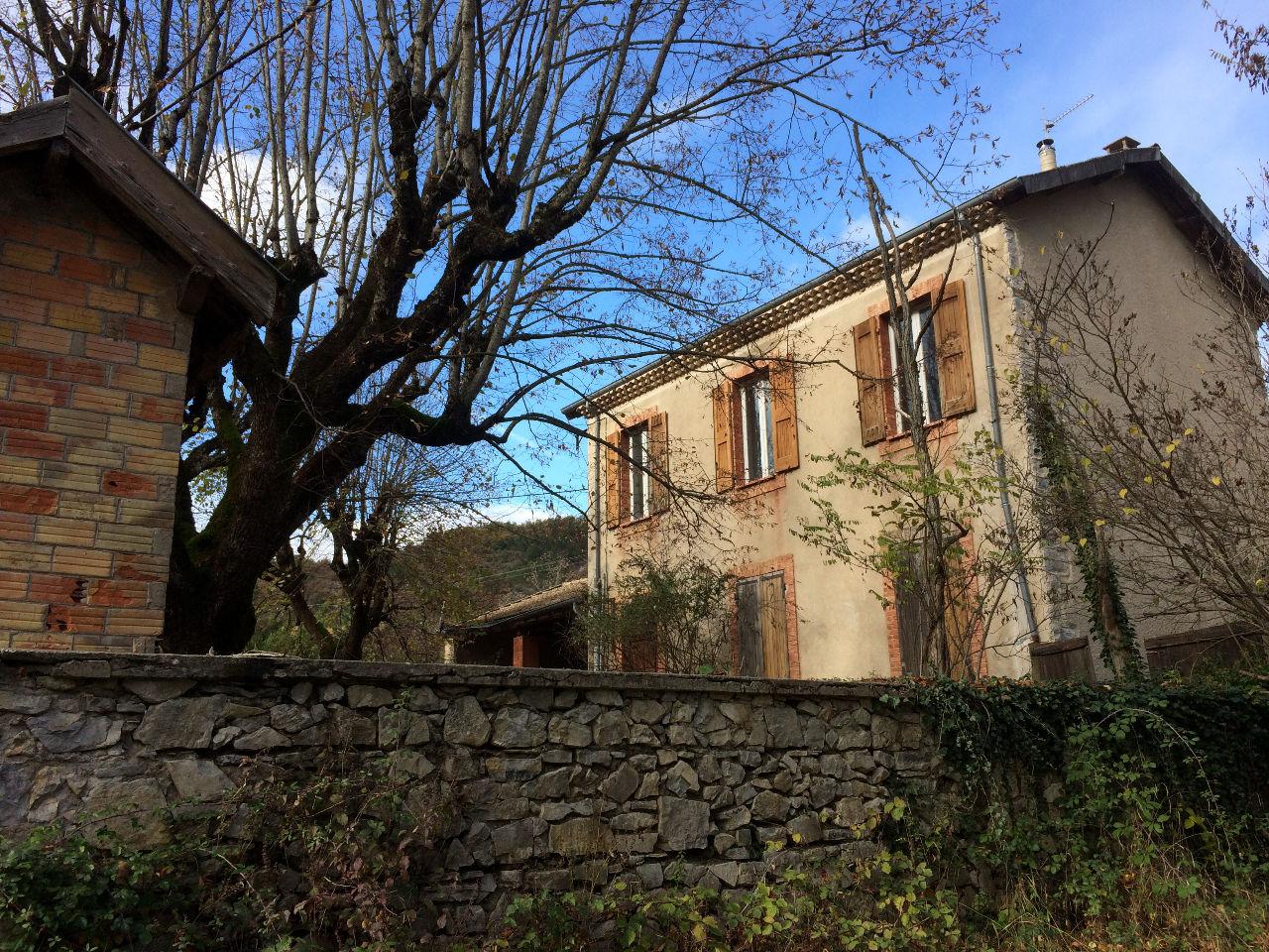 Vente maison noyers sur jabron 04200 sur le partenaire for Jardin 04200
