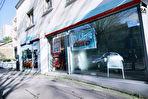 Ensemble immobilier à vendre à Nantes-Rond point de Paris comprenant un local commercial avec bail en cours, un T3 et un plateau à aménager. 3 stationnements. Idéalement situé. Bonne rentabilité