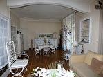 A vendre Cavaillon, Local commercial de 450 m2 + un appartement T4 vendu loué. 3/7