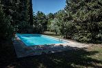 A vendre, entre l'Isle sur la Sorgue et Cavaillon, MAS ancien sur 6477 m² de terrain 12/18