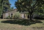 A vendre, entre l'Isle sur la Sorgue et Cavaillon, MAS ancien sur 6477 m² de terrain 17/18