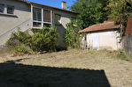 VILLELAURE : Au coeur du village, Maison de type 3 avec jardin, atelier et garage. 1/10