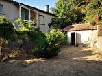 VILLELAURE : Au coeur du village, Maison de type 3 avec jardin, atelier et garage. 5/10