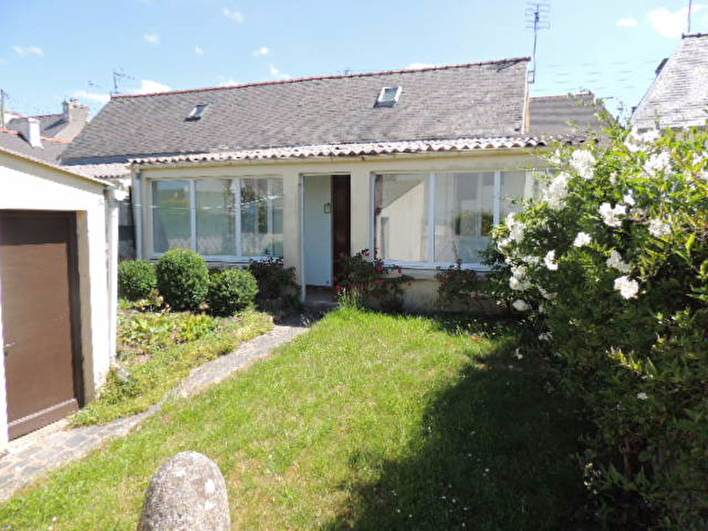 St Pol de Léon, quartier calme, petite maison à rénover...