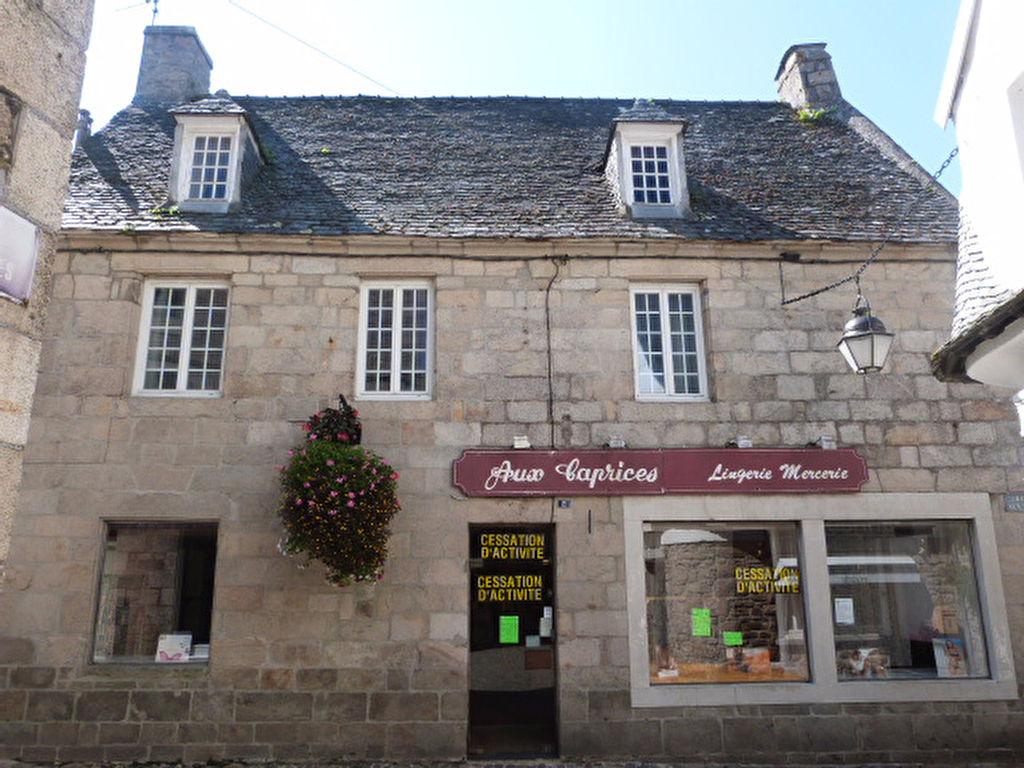 Saint Pol de Léon, maison en pierres centre ville......