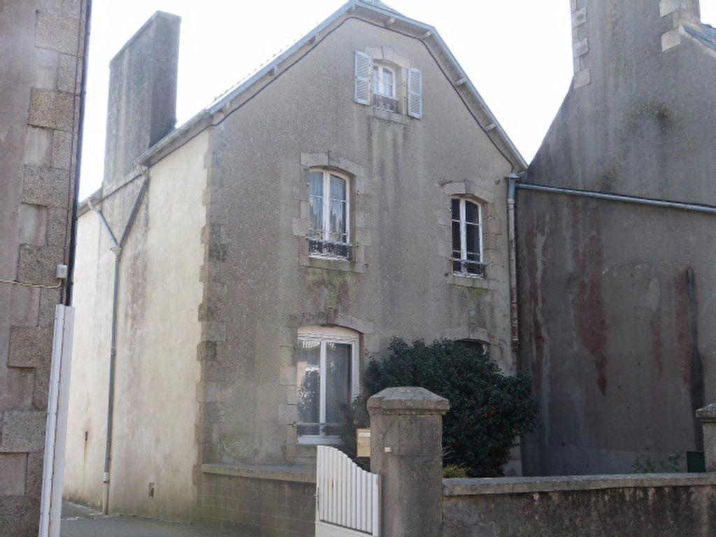 St Pol de Léon, petite maison de ville 3 ch à rénover....