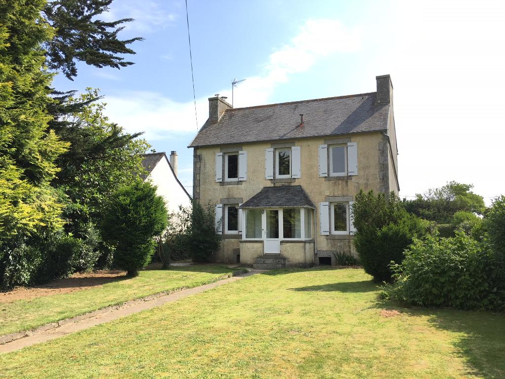 Finistère Nord, HENVIC, jolie maison des années 20, jardin clos...