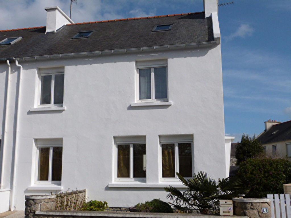 Maison Saint Pol De Léon, commerces et école à pieds....