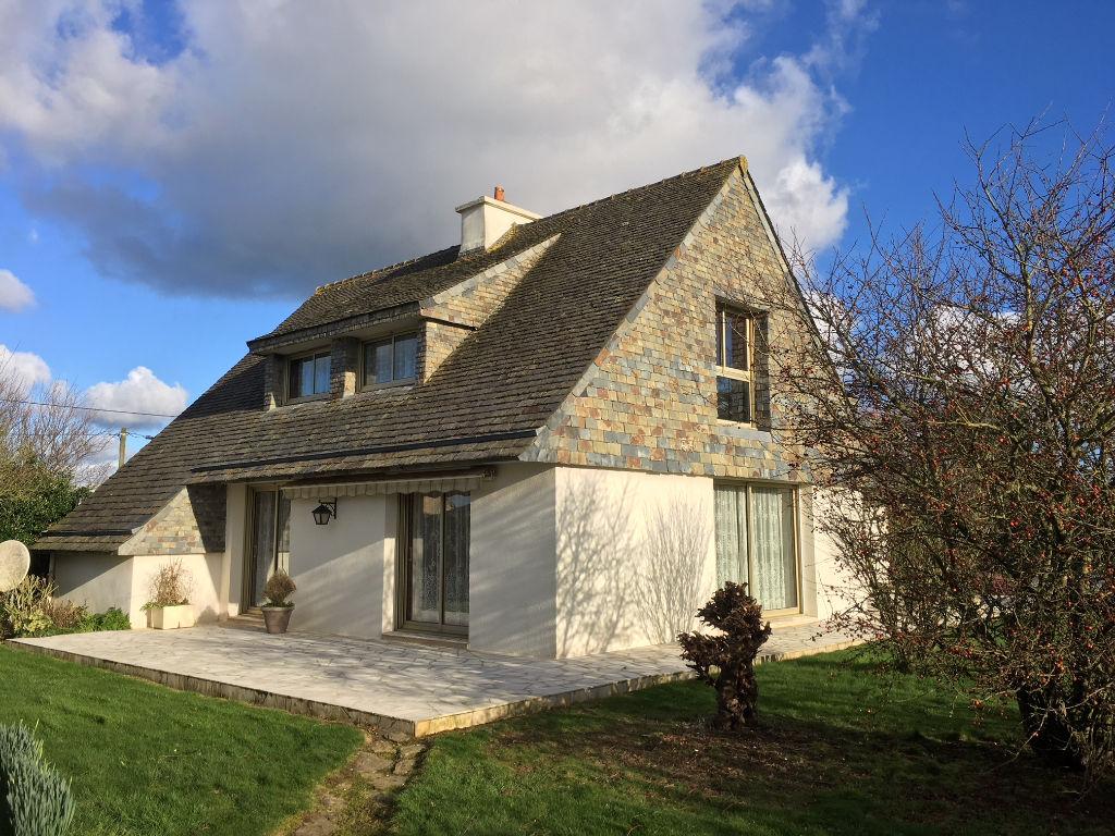 Finistère Nord,PLOUENAN, à la campagne, grande maison vie de plain pied...