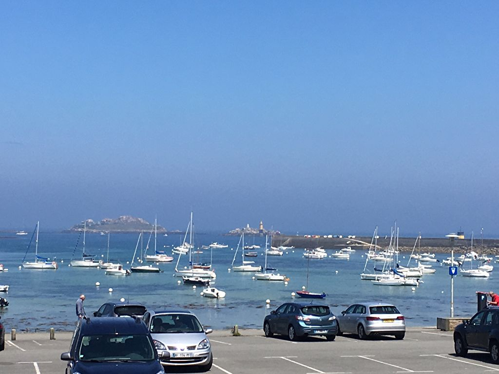 ROSCOFF, emplacement exceptionnel, vue mer, maison 3 ch .....