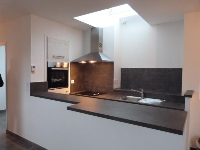 SAINT POL DE LEON en ville, appartement 2 chambres, cuisine  A et E