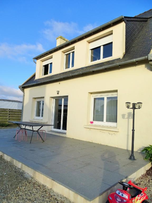 Finistère Nord, SAINT POL DE LEON, maison de 4 chambres, terrain clos