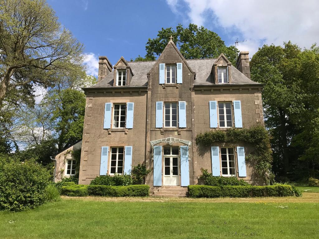 Morlaix,St Martin-des-Chps, propriété sur 5 ha de parc et bois...