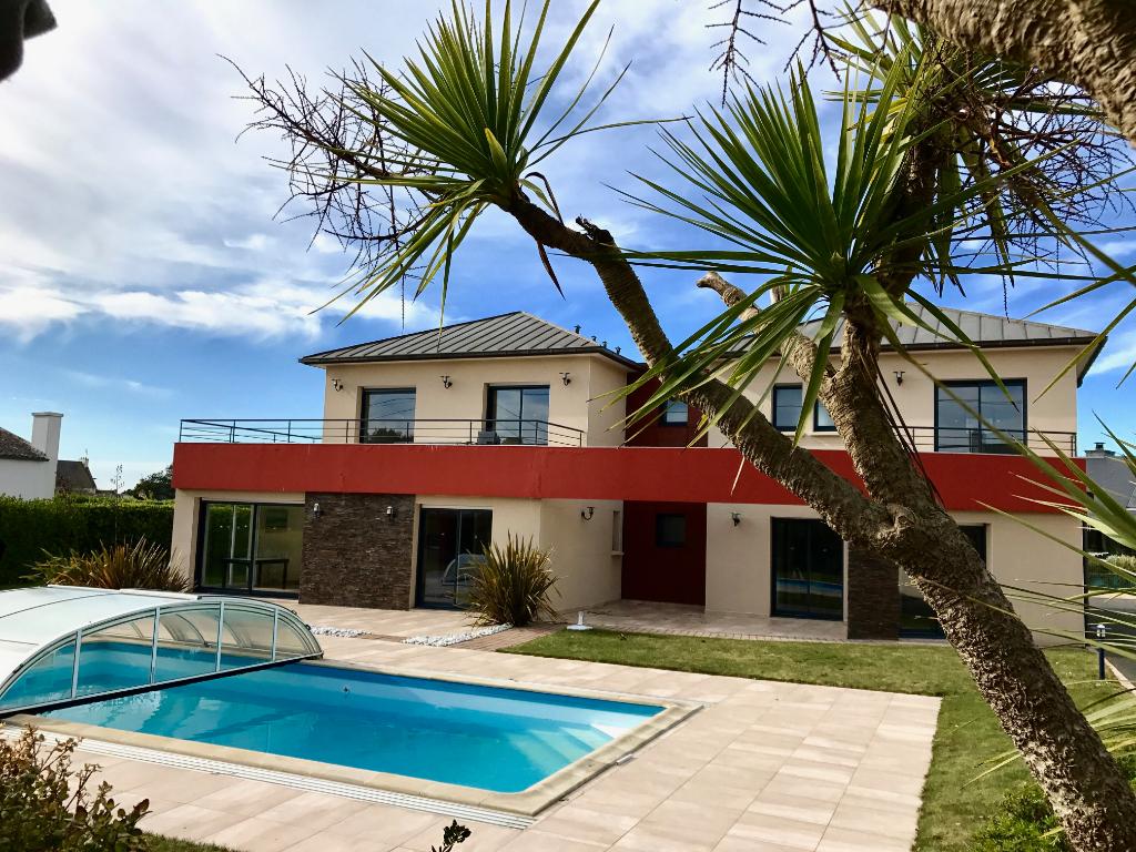 Finistère Nord, SANTEC, maison 3 appartements indpts, proche plage et forêt ....