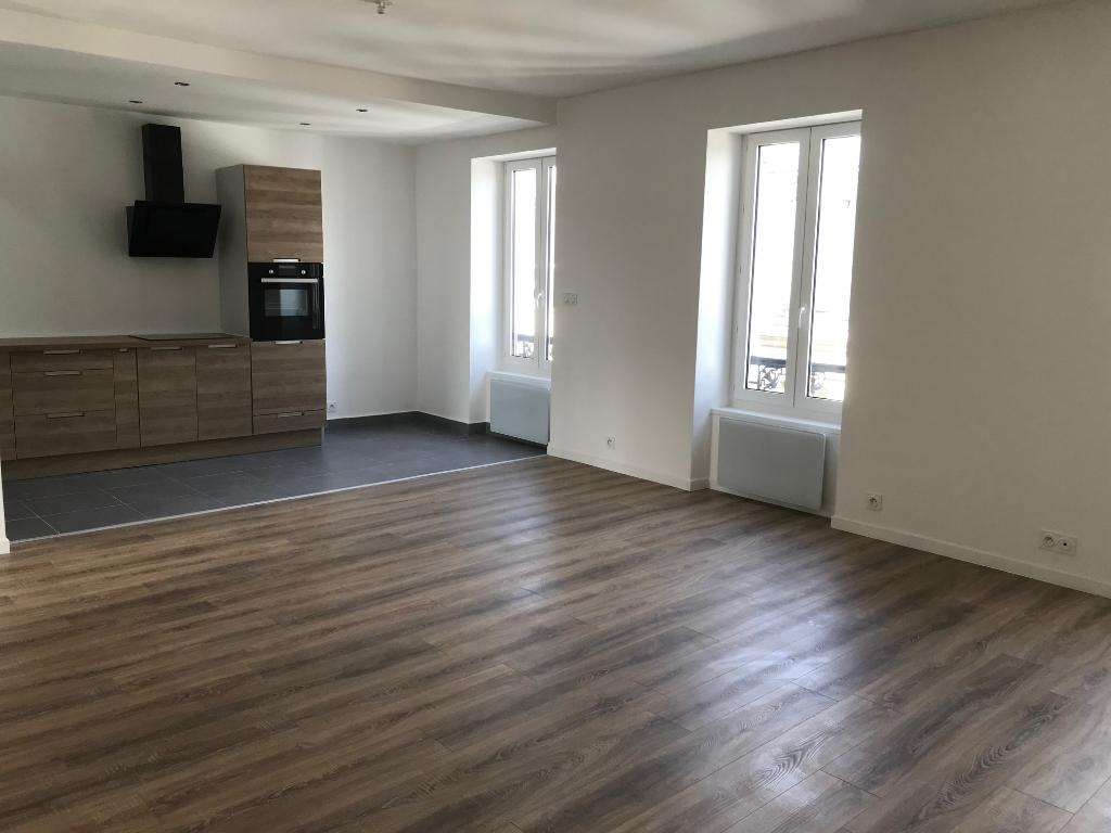 Finistère Nord SAINT POL DE LEON, appartement de trois chambres