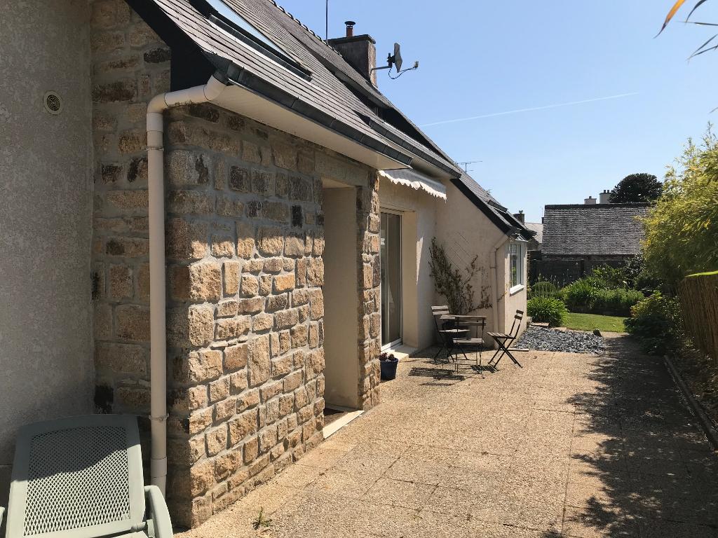 Finistère SAINT POL DE LEON, maison bord de mer, 3 chambres, jardin, garage...