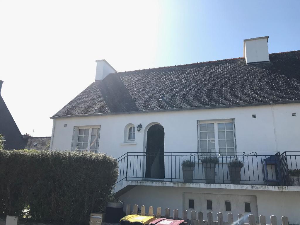 Finistère Nord, Saint Pol de Léon, maison sur cave de 3 chambres,