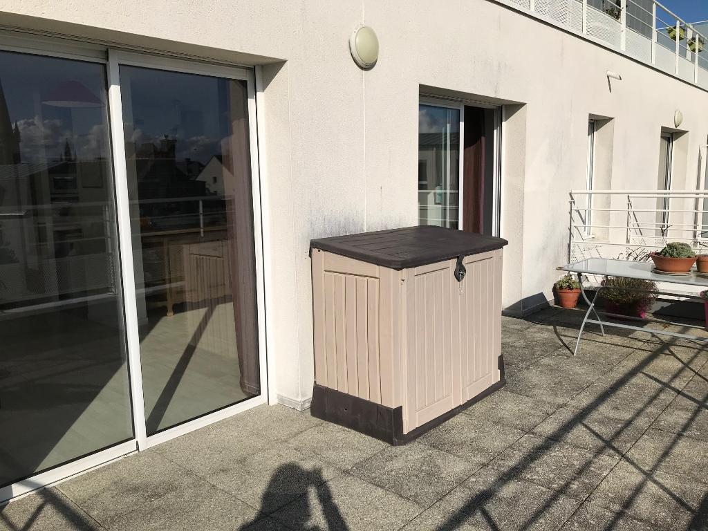 Finistère Nord, SAINT POL DE LEON, appartement de  deux chambres, terrasse, balcon..