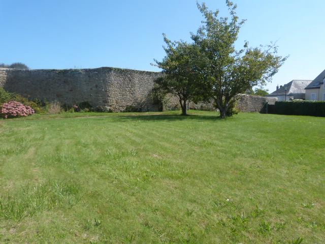 Finistère Nord, SAINT POL DE LEON, centre ville, terrain...