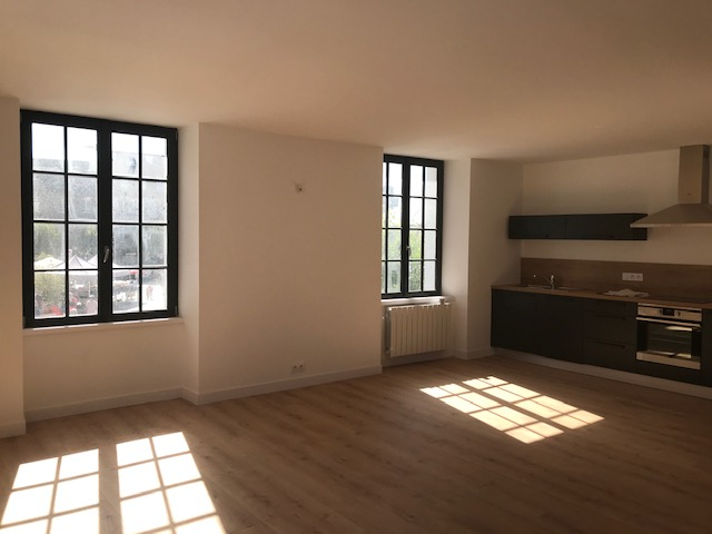 Finistère Nord, SAINT POL DE LEON, centre ville,  appartement T3.