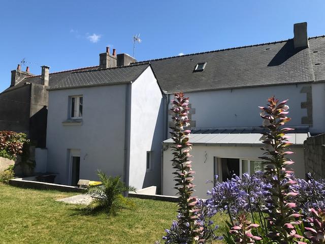 Finistère Nord SAINT POL DE LEON centre ville maison avec jardin....