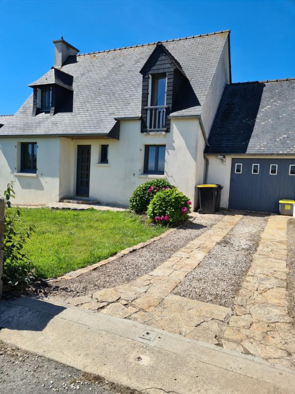 Finistère Nord, SIBIRIL, quartier calme, maison de 4 chambres...