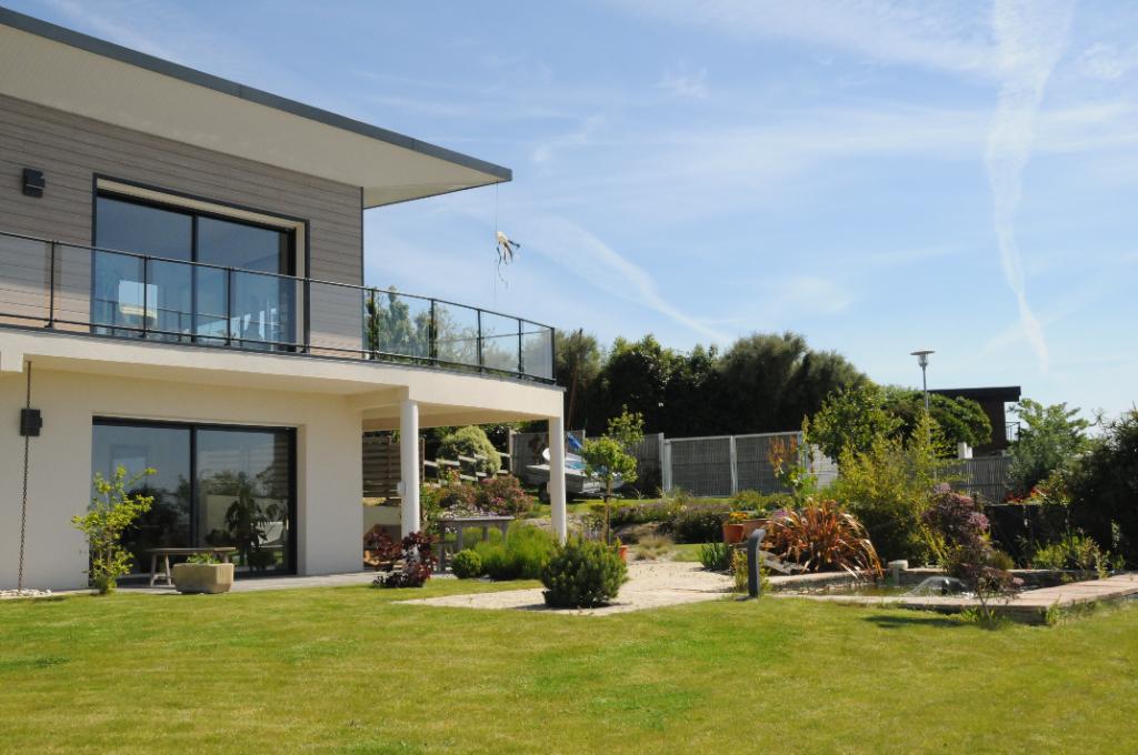 Finistère Nord CARANTEC, VUE MER, maison d\'architecte....