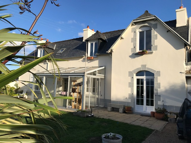 Finistère Nord, ROSCOFF , maison de 4 chambres, jardin, grand garage.