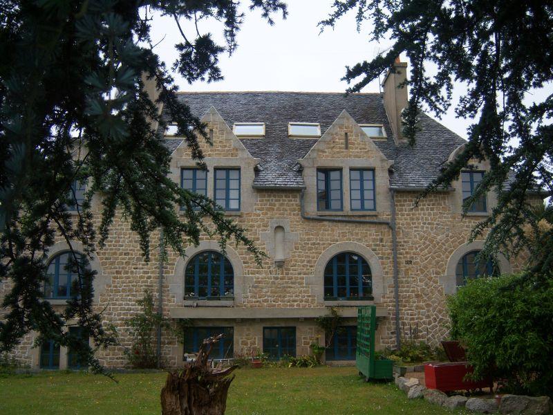 Saint Pol de léon maison de caractère en pierres 2 logements