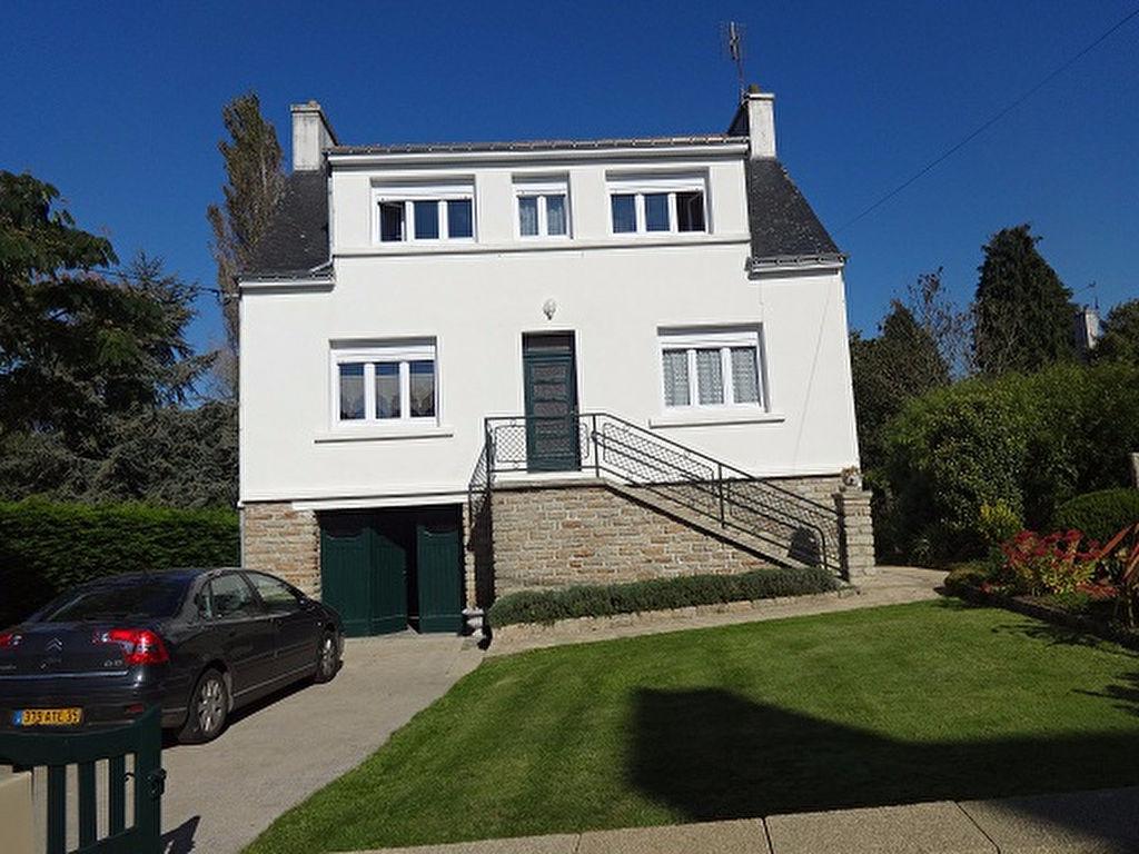 Jolie maison de village avec jardin de 1070m² et garage