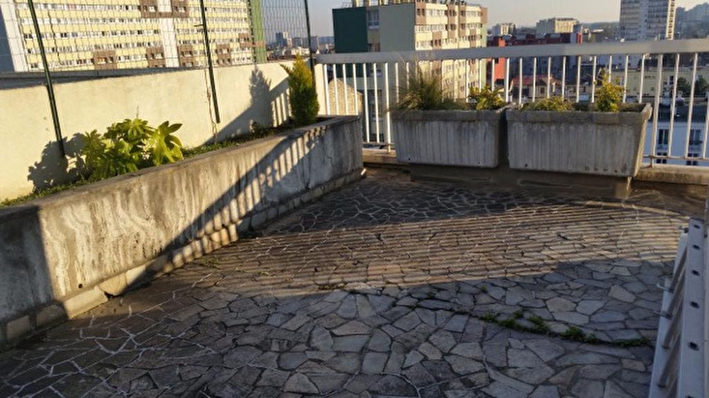 Villejuif - Centre-Ville - Duplex de 5 pièces avec terrasse
