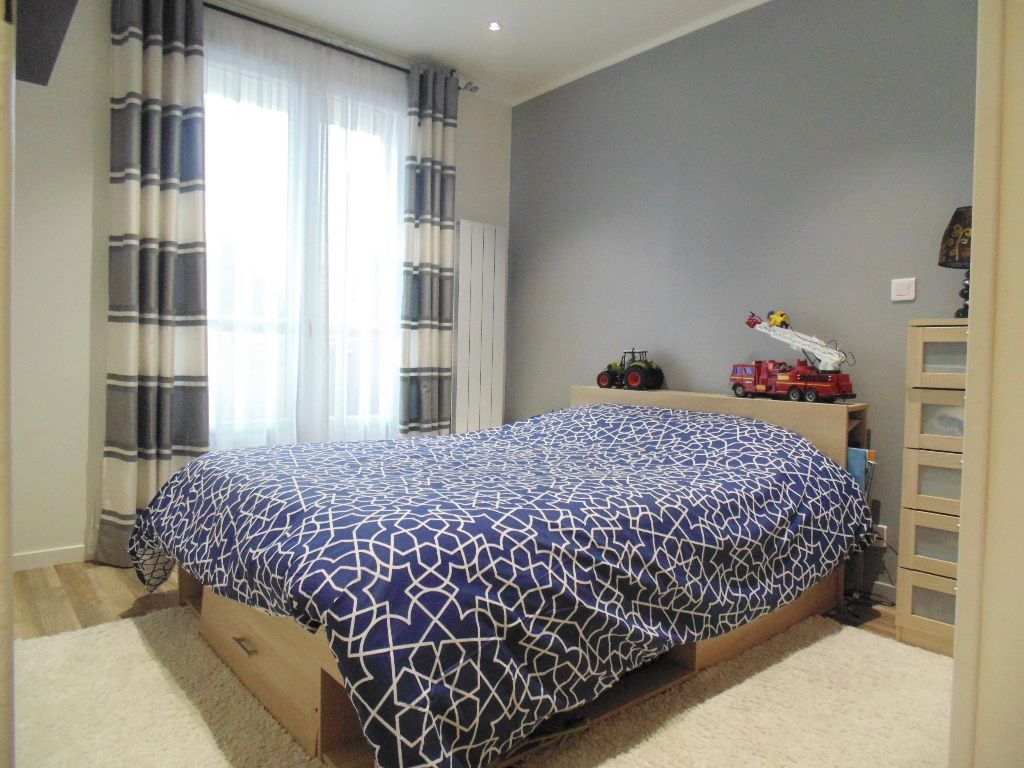 Appartement Thiais 3 pièce(s) 52 m2 + 2 balcons