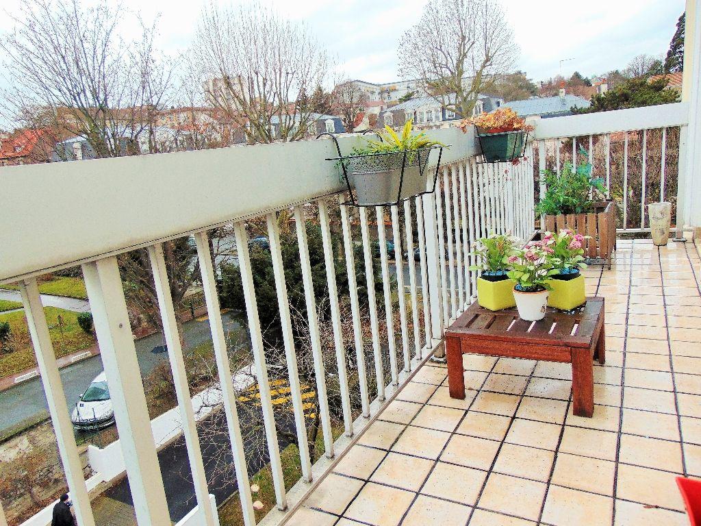 Appartement Thiais centre ville 3 pièce(s) 68 m2 balcon