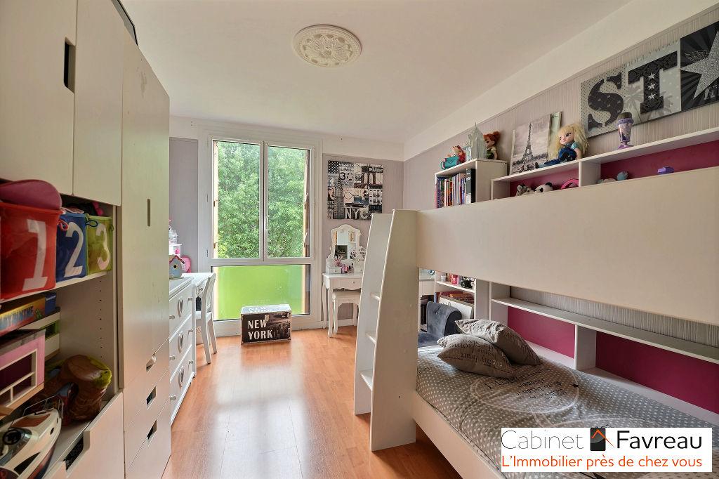 EXCLUSIVITE - Choisy Le Roi - Appartement 3 pièces + balcon