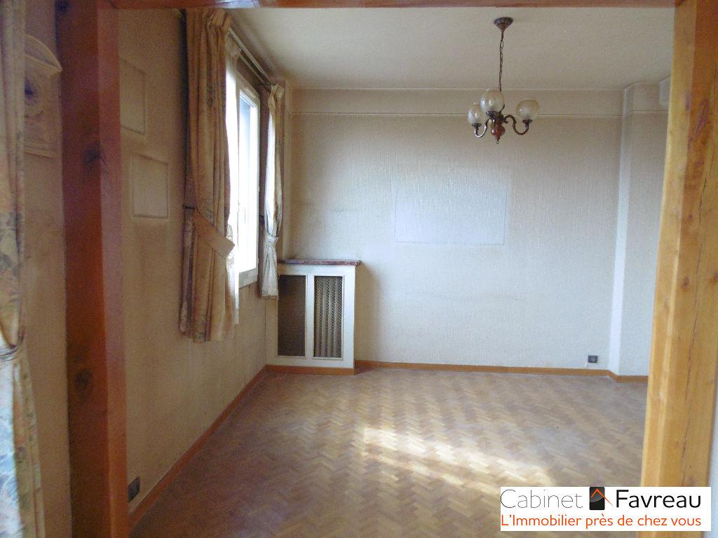 Appartement Vitry Sur Seine - Centre Gare -  4 pièces 64,57 m²