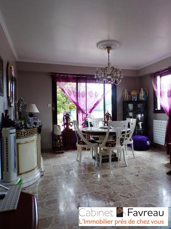 Maison Vitry-sur-seine - Parc des Lilas - 7 pièces 200 m²