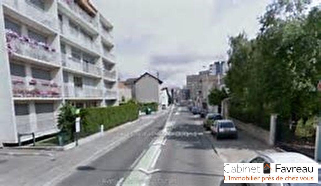ARCUEIL-94110-Buanderie