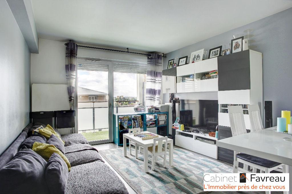 THIAIS -  Les savats - Appartement 3 pièces principales standing balcon box transports